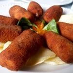Croquetas de ibérico en restaurante A Goleta