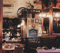Lo vintage está de moda: decora tu restaurante sin gastar dinero