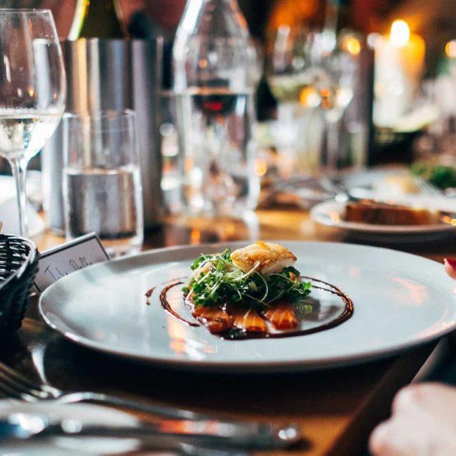 Aumentan las reservas de grupo en restaurantes para esta Navidad